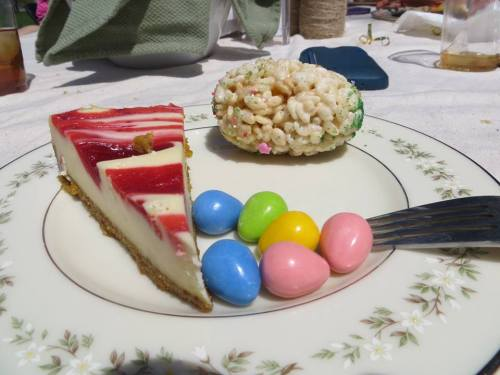 some of the desserts, plus lemon-lime squares, carmelitas, and lemon pound cake. oh and more rice krispies.